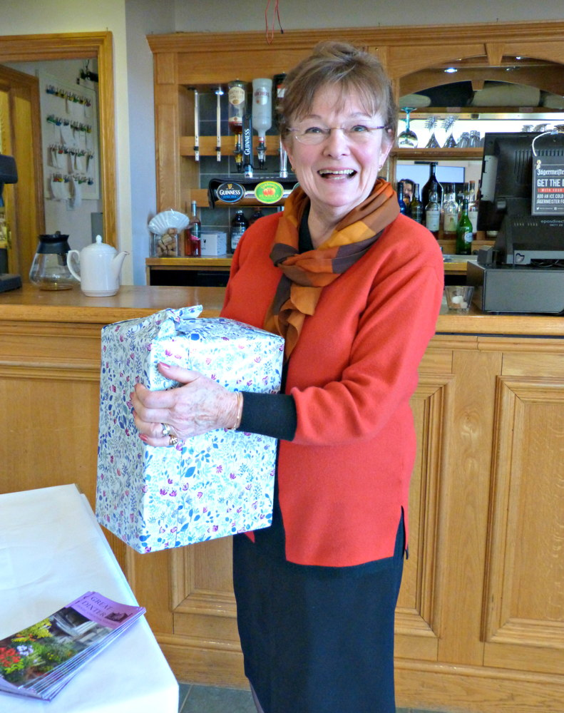 Angela Edwards from SI East Grinstead won a half case of wine kindly donated by Louise Taylor